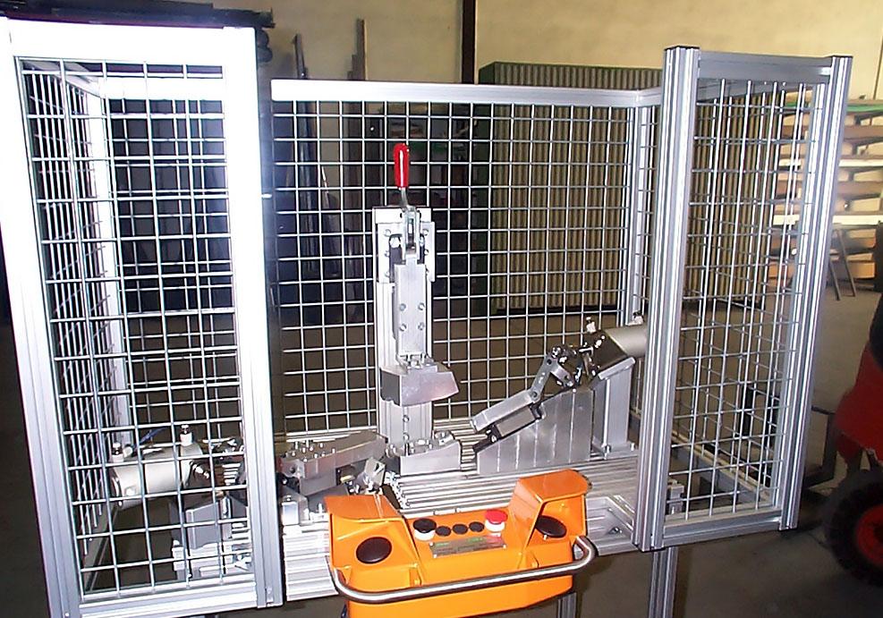 Puestos de trabajo: montaje semiautomático